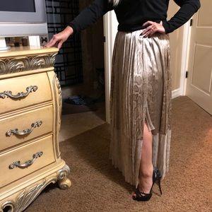 Ruffle side slit Elie tahari skirt size 8